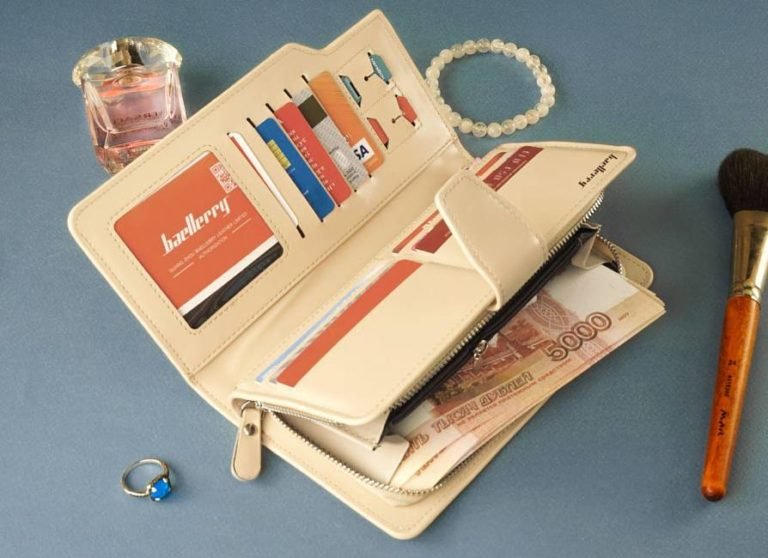 подарок для женщины стильный портмоне клатч с именем в развороте