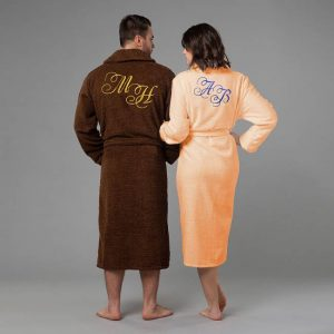 подарок семье комплект халатов с вышивкой Инициалы