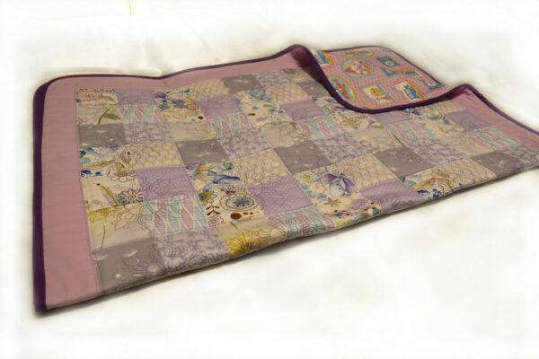 подарок детское одеяло ручной работы квилтинг розовое 3