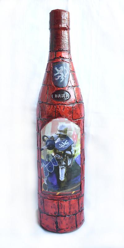 декупаж бутылки Рыцарь на коне