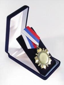 medal_chernaia_upakovka
