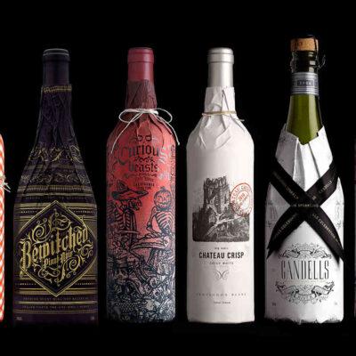 Красочная упаковка бутылок вина